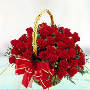 Red Rose Basket: Valentine's Day Kalyan Pur,  Bhopal