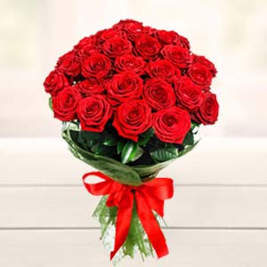 Beautiful 15 Roses Bunch: Gift Bhel,  Bhopal