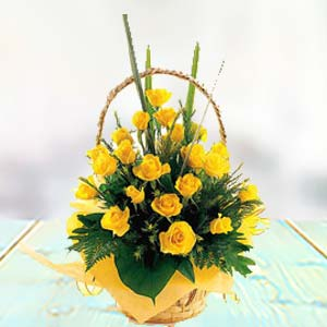 Yellow Rose Basket: Gift Kalyan Pur,  Bhopal