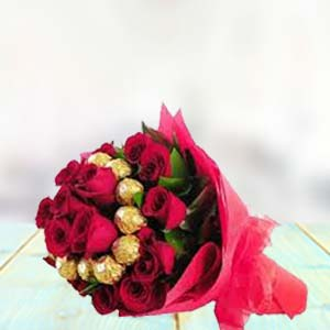 Flowers With Chocolate Bunch: Gift Shagpur,  Bhopal
