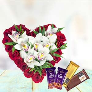 Heart Shaped Arrangement With Temptations: Valentine's Day Gifts For Boyfriend Jahangirabad,  Bhopal