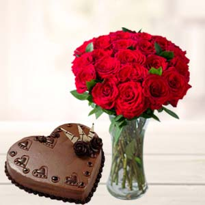 Red Roses With Heart Shaped Cake: Valentine's Day Flowers Kokta,  Bhopal