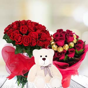 Valentine Teddy and Choclates Combos: Kiss day Arhedi, Bhopal