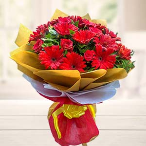 Mix Red Flowers Bouquet: Gifts For Her Imliya,  Bhopal
