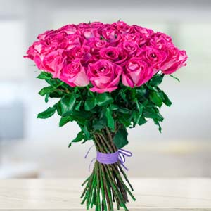 Bunch Of Pink Roses: Valentine Gifts For Husband Baskheda,  Bhopal