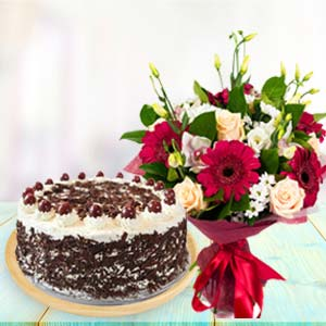 Mix Flowers With Black Forest Cake: Valentine Gifts For Husband Bagmugalia,  Bhopal