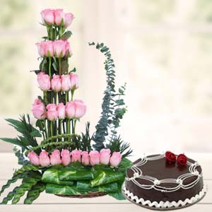 Pink Roses With Rich Chocolate Cake: Gift Kalyan Pur,  Bhopal