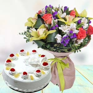 Mix Fresh Flowers With Pineapple Cake: Gift Navi Bhag,  Bhopal