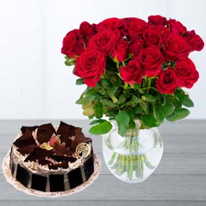 Red Roses With Rich Chocolate Cake: Gift For Friends Shagpur,  Bhopal