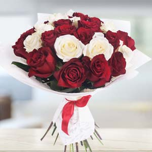 Bouquet Of Roses: Valentine Gifts For Husband Shyampur,  Bhopal