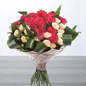 Roses With Green Fillers: Gifts For Brother  Bhopal