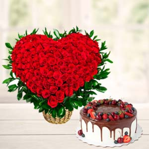 Roses Arrangement With Fruit Cake: Valentine's Day Gifts For Boyfriend Janki Nagar,  Bhopal