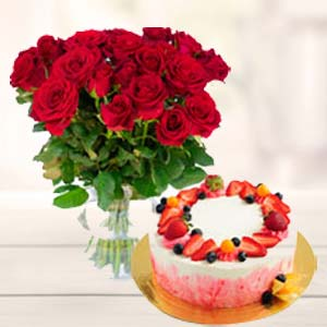 Roses Bunch With Fruit Cake: Gift For Friends Kal Khedi,  Bhopal