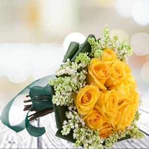 Yellow Roses: Anniversary Gifts For Mom Chichli,  Bhopal