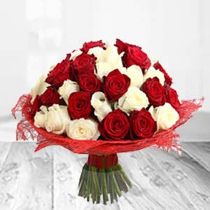 Mixed Red And White Flowers: Valentine Gifts For Husband Imliya,  Bhopal