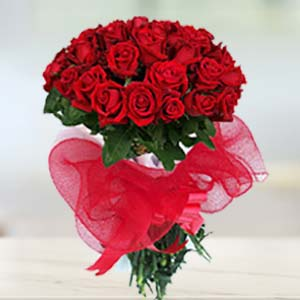 Red Rose Bunch: Valentine's Day  Bhopal